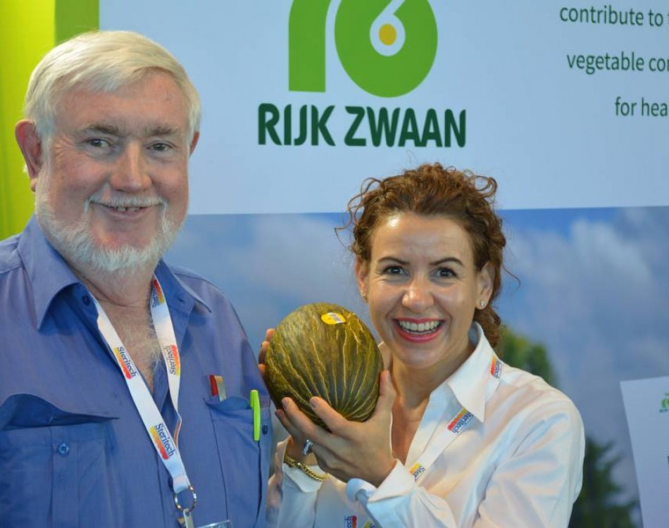 Paul Connolly & Frances Tolson of RZAU at the 2016 National Horticultural Convention